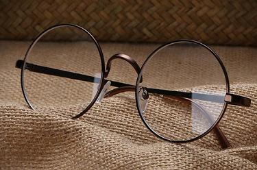 眼镜店加盟和自己开哪个更好?
