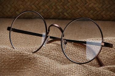 眼镜店招商加盟:顾客来退货如何处理