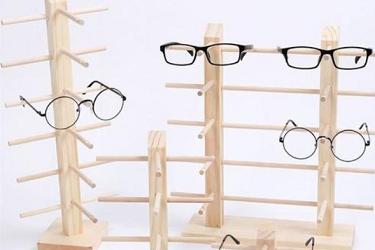 近视眼镜加盟:如何辨别眼镜的好坏?